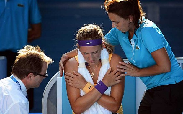 04-victoria-azarenka-medical-timeout-australian-open-trainers